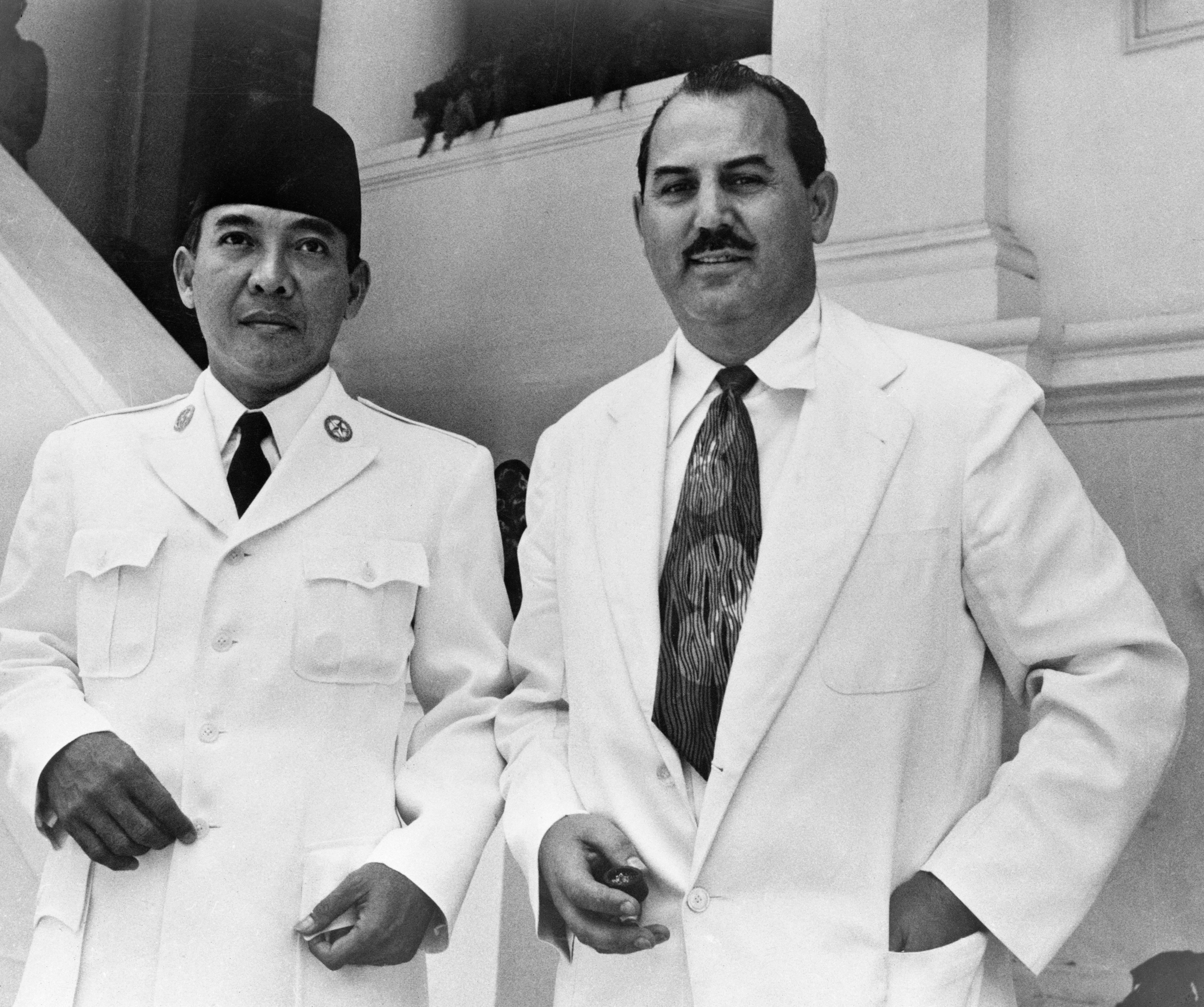 Sukarno dan Harrison Forman