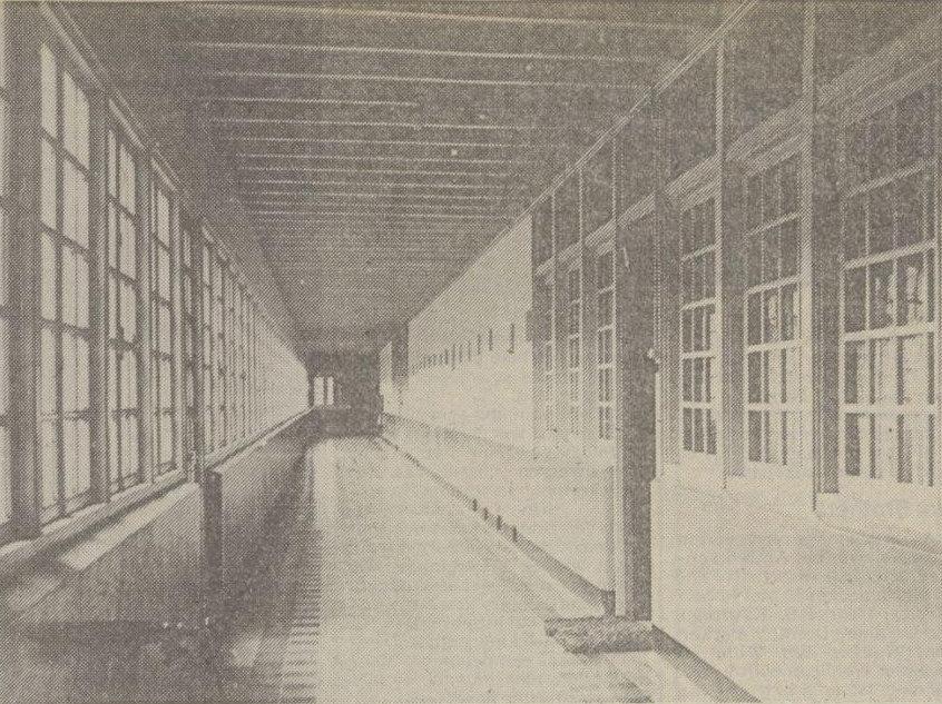 Koridor asrama anak laki-laki (1938)