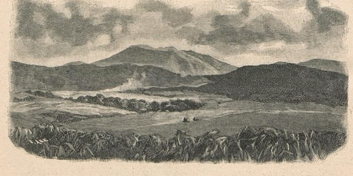 "Ilustrasi : Wilayah XII Kuta dengan gunung berapi Sibayak dilihat dari Deleng Daling. Dari buku Joachim Freiherr von Brenner tahun 1894 berjudul ""Besuch bei den Kannibalen Sumatras"" (1894)"