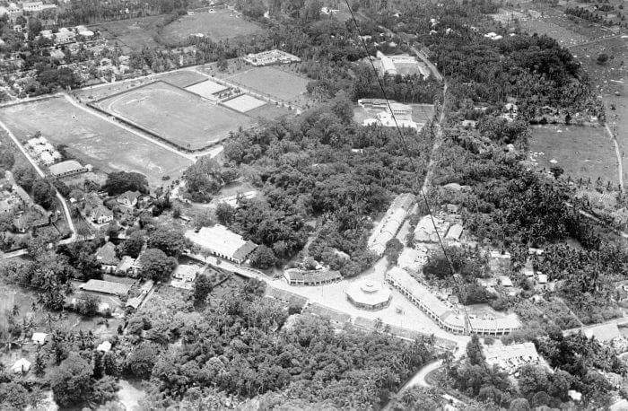 """Pasar Bundar tahun 1933. (De KNILM luchtfoto van de """"Pasar Boender"""" aan de Petissah wijk te Medan circa 1933)."""