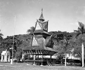 Jambur Lige di Lapangan Merdeka, Medan. (Karo Architecture - Medan, Sumatra 1948. This WWII era photo was taken by Capt. George S. White)
