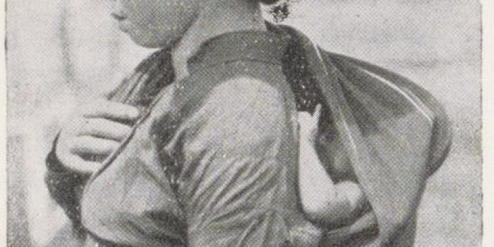 Bayi Karo dalam gendongan